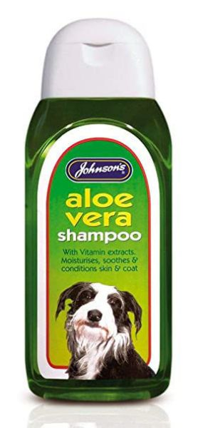 Picture of Johnsons Aloe Vera Shampoo 400ml